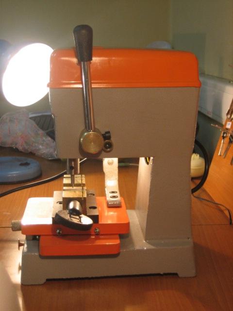 Станок для изготовления ключей Вень Хай 368